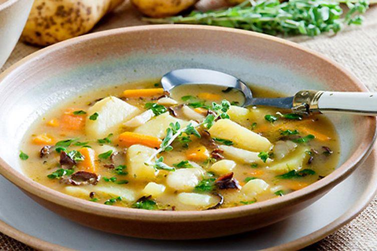 Простой суп с картошкой