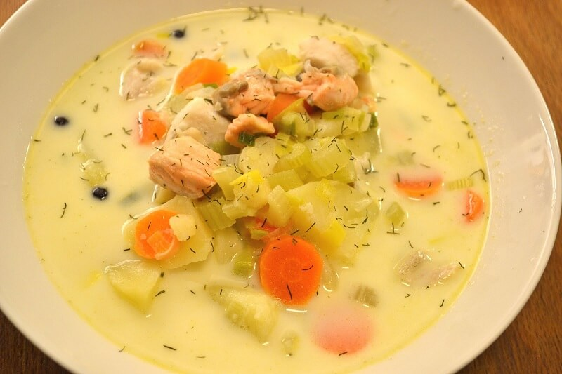 суп норвежский с семгой и сливками