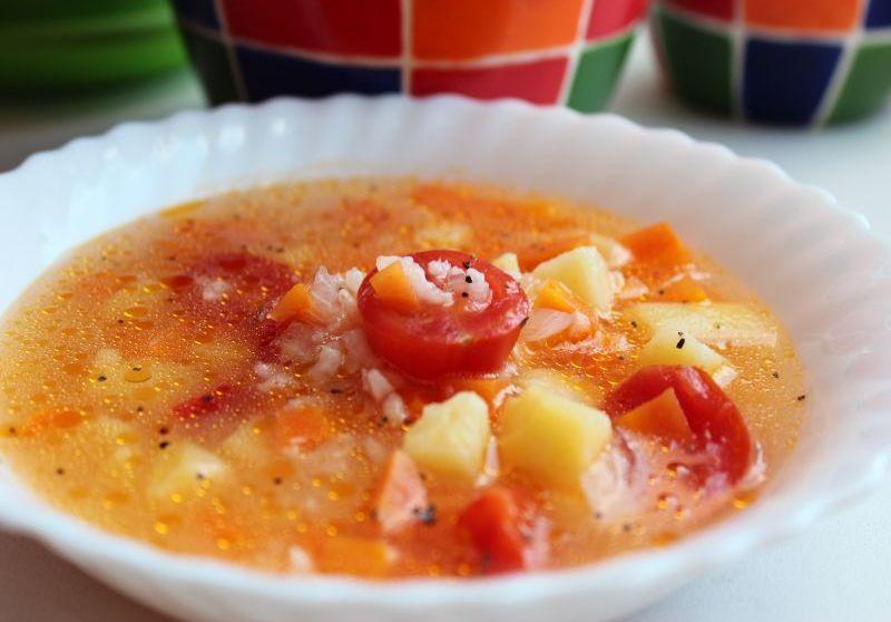 Суп из камбалы с помидором