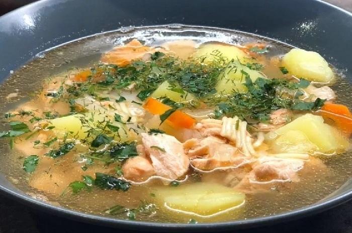 Суп из красной рыбы с макаронами