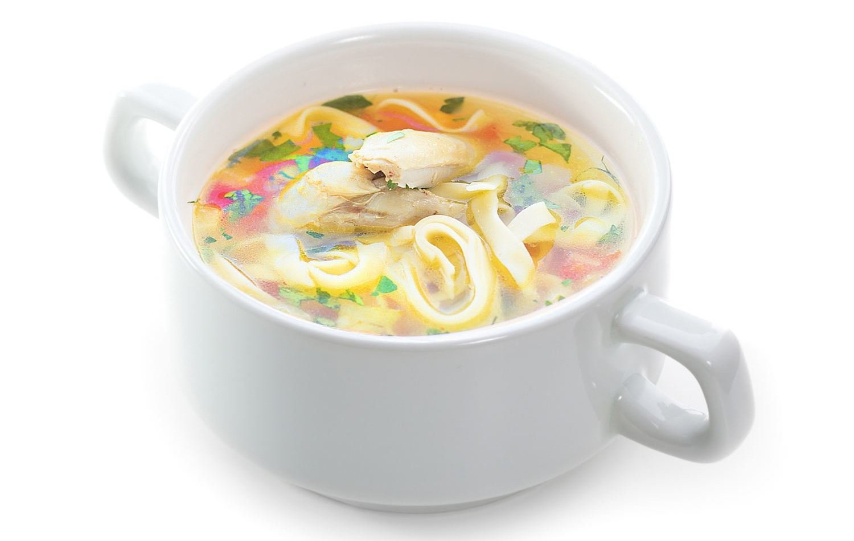 Суп с домашней лапшой и морковкой