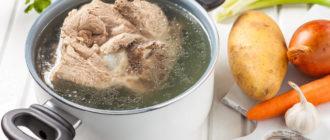 Варим мясо для супа